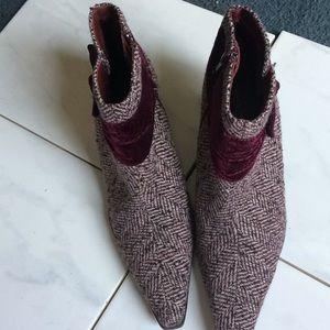 Prediction burgundy tweed booties size 6